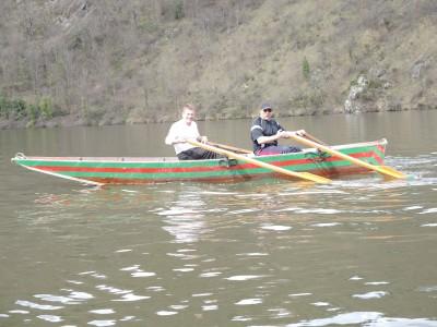 Ballade en barque en avril 2013. Les nouveaux rameurs loisir ou compétition sont les bienvenus