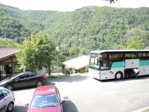 le bus suisse à l'auberge de jeunesse des Echandes