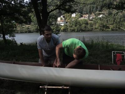 Olivier et Johan les experts pour réparer les bateaux d'aviron
