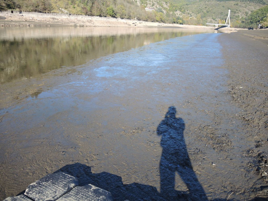 Le bout du pont de la Vigie-Mouette se termine sur de la vase (cote 411, 01/11/2014)